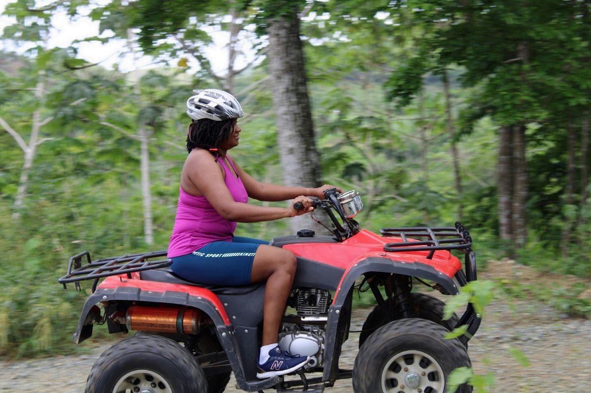 18 IMG_0549 -She rides